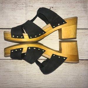 384e7bdcb28 UGG Women's Jennie Black Nubuck Sandal!!!